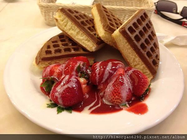 米朗琪草莓奶油鬆餅-1