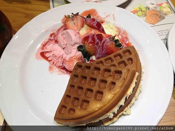 米朗琪草莓奶油鬆餅-2