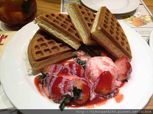 米朗琪草莓奶油鬆餅