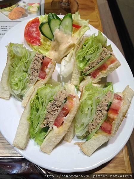 米朗琪鮪魚三明治