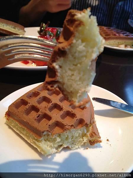 咖啡弄草莓冰淇淋鬆餅-2