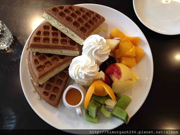 咖啡弄鮮果冰淇淋鬆餅-1