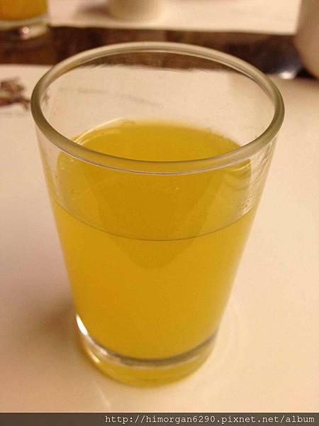 台中文華道會館果汁