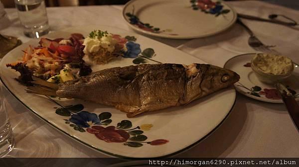Austria Hallstatt餐廳-鮮魚
