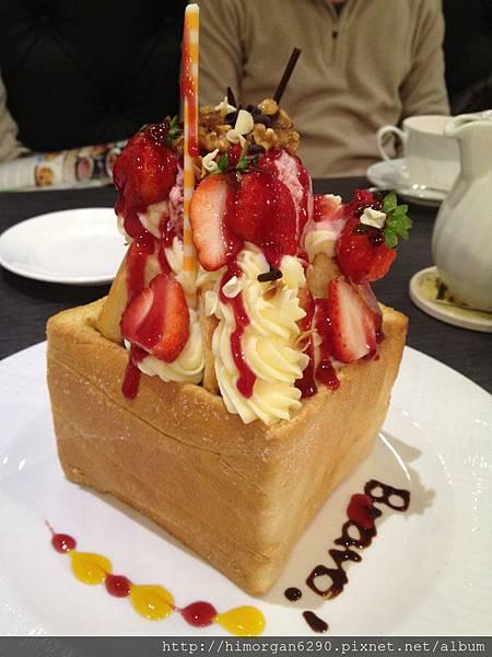 普拉伯義大利坊-我愛草莓蜜糖吐司