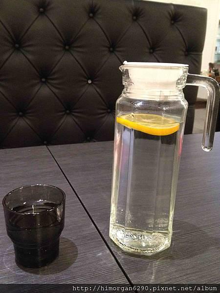普拉伯義大利坊-水