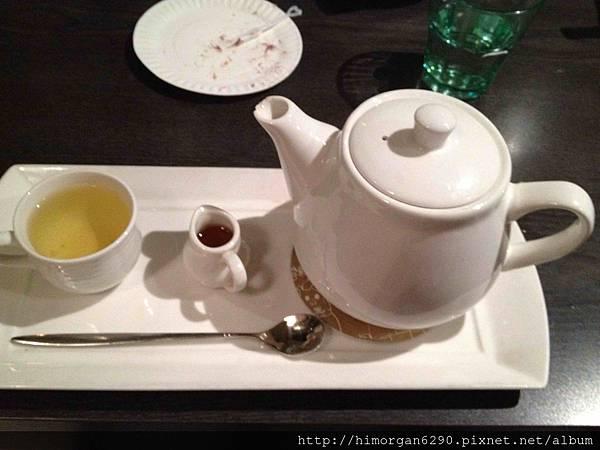 水舞饌-熱菊花枸杞茶