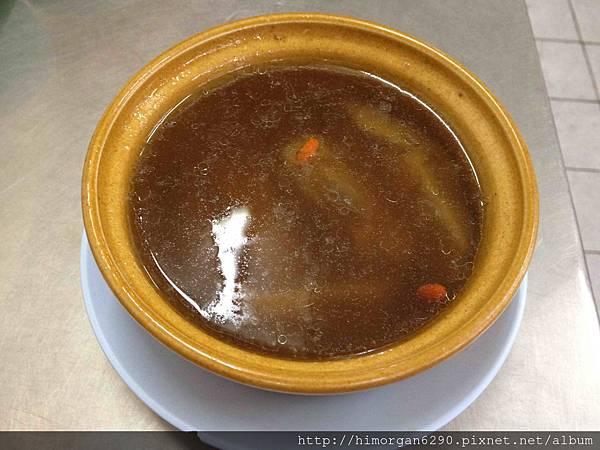 泰國-水門市場海南雞飯-香菇老鴨湯