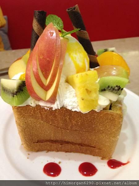 胖達咖啡輕食館-水果派對蜜糖吐司-1