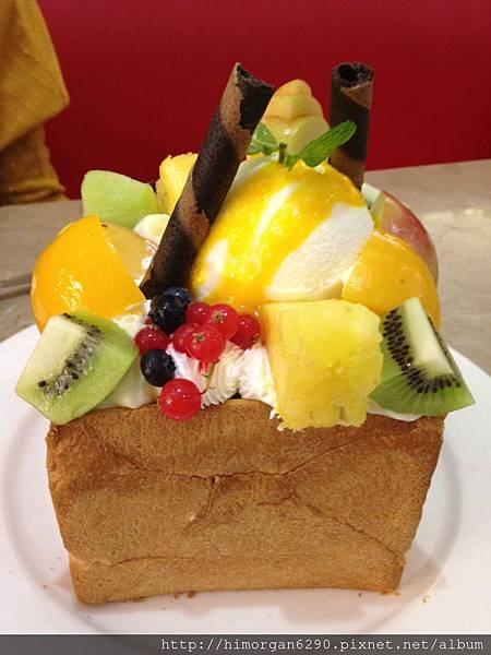 胖達咖啡輕食館-水果派對蜜糖吐司-2