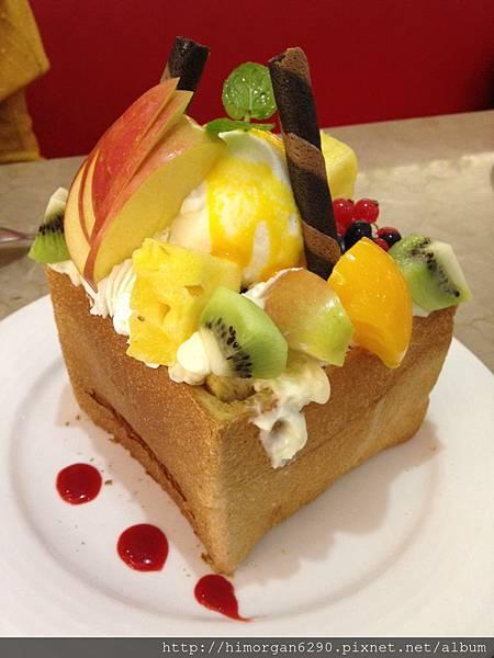 胖達咖啡輕食館-水果派對蜜糖吐司