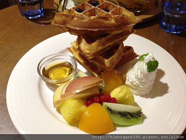 胖達咖啡輕食館-加州彩虹鬆餅