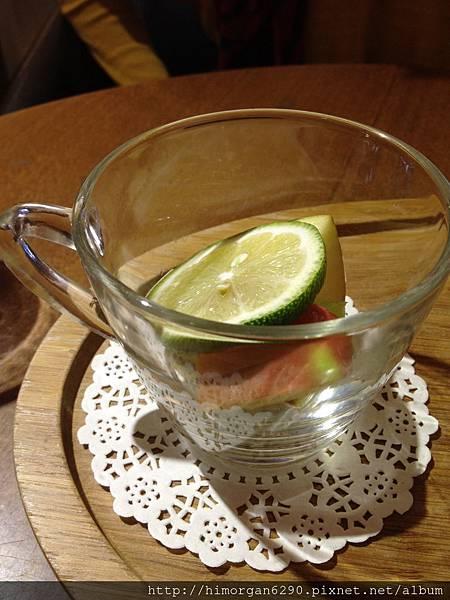 胖達咖啡輕食館-新鮮水果茶-1