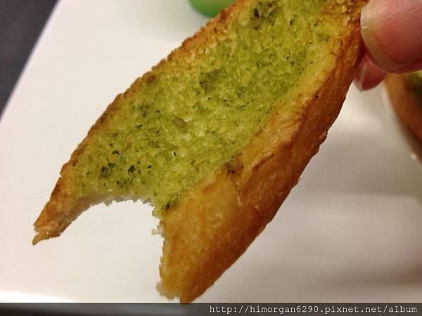KIRIN PASTA-香蒜麵包.JPG