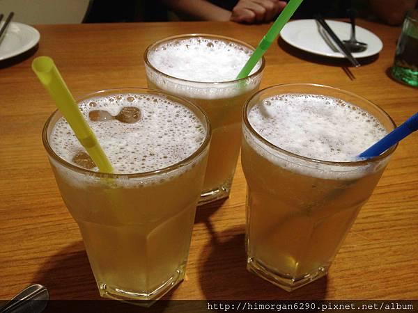 喜樂魚泰式料理-檸檬香茅綠茶.jpg