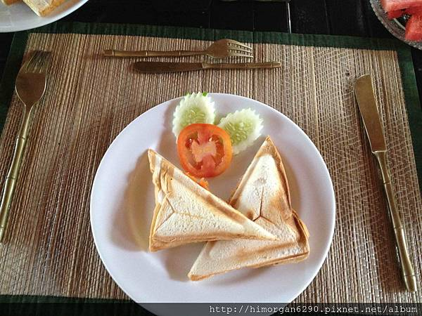 Easy Time Resort-breakfast-2.jpg