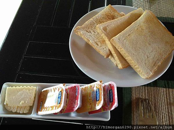 Easy Time Resort-breakfast-5.jpg