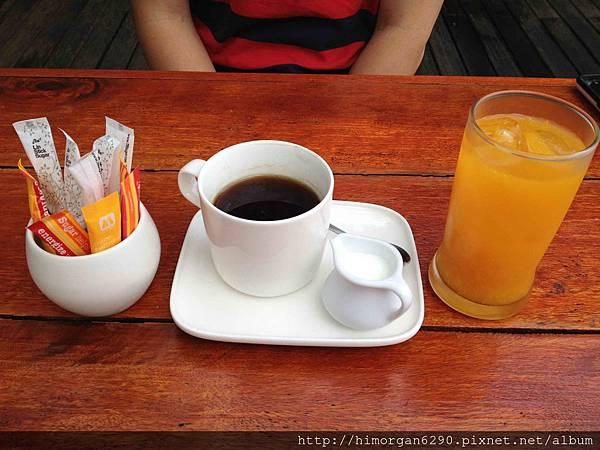 Cyana Beach Resort-breakfast-7.jpg