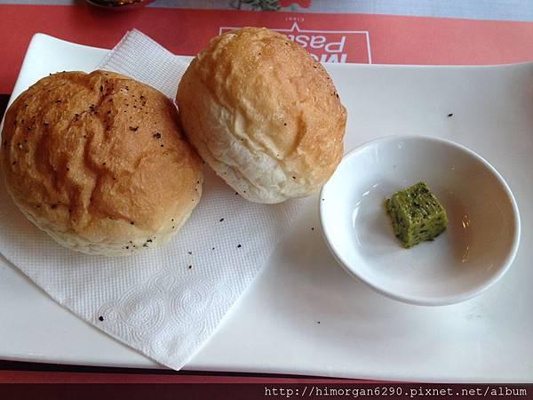 MoMoPasta雜糧麵包