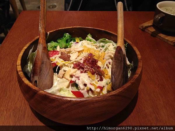 CAMPUS CAFE-特製木碗凱薩沙拉.jpg