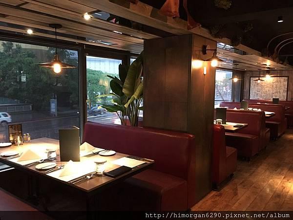 艾朋牛排餐酒館-3.JPG