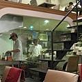廚房是透明的