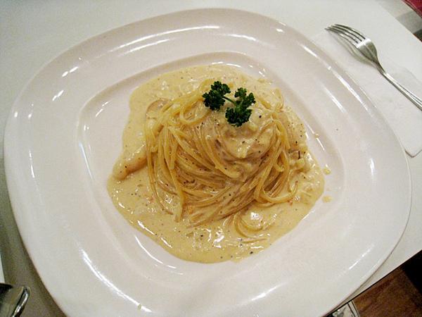 小香的蟹黃奶油義大利麵