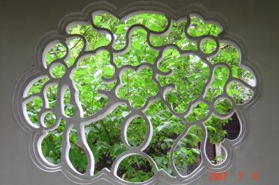 苏州园林的趣味(4):滄浪亭的108式花窗6(96.7.17)