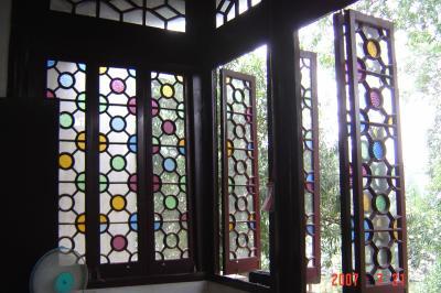 蘇州園林的趣味(7):獅子林的彩色花窗入畫來8(96.7.26)