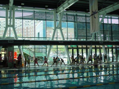 [小二]我的暑期安親班 ~ 游泳課(100.7.5)