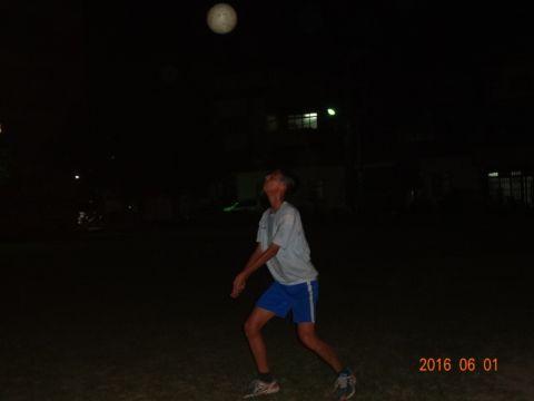 [七年級]夜間打排球的青少年(105.6.1)