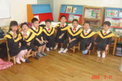 [大班]拍畢業照(98.3.17)