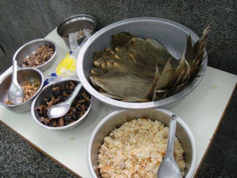 端午節包粽子(98.5.26)