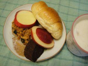 嘟嘟和琳琳吃的早餐(98.11.30)