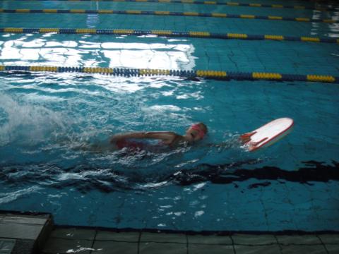 [小一]暑假學游泳20日記事(99.8.6)