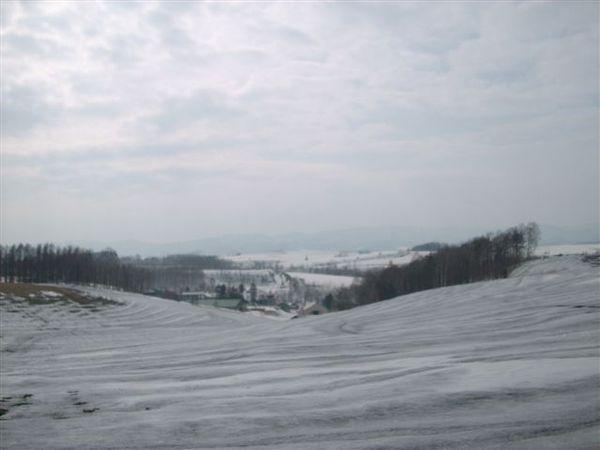 千辛萬苦破雪走到這 看到更美的丘陵 果真值得