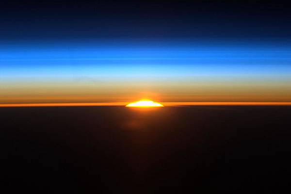 582752main_sunrise_from_iss-full_full.jpg