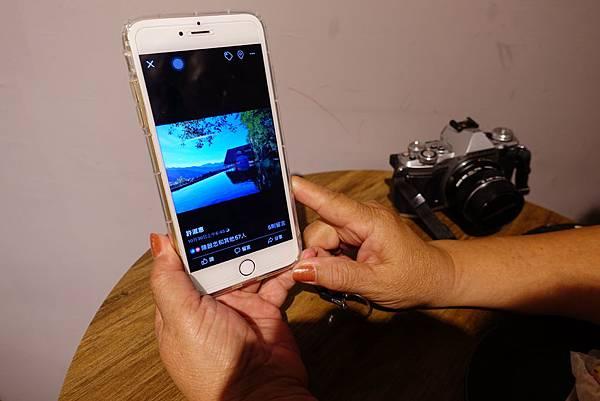 用OLYMPUS拍完照片後,許淑惠會把作品上傳到FB分享_林曉盈提供