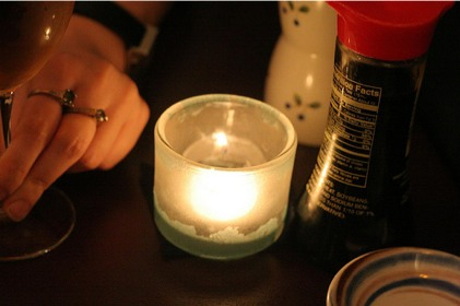 table_restaurant_date_candle.jpg