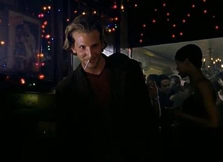 布萊德利庫柏曾在慾望城市影集客串演出凱莉的一夜情對象