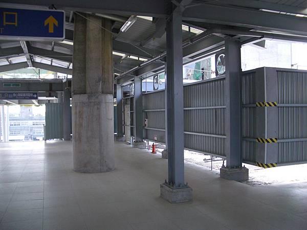 高鐵台鐵連接處2