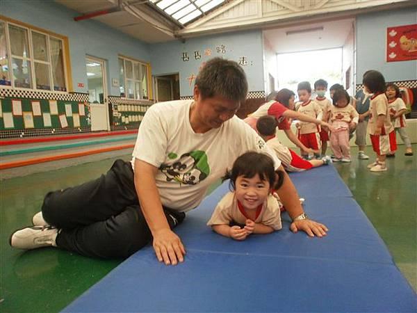 2012.5.3 體能課~ 1234,2234,...小小選手做運動嚕!-10