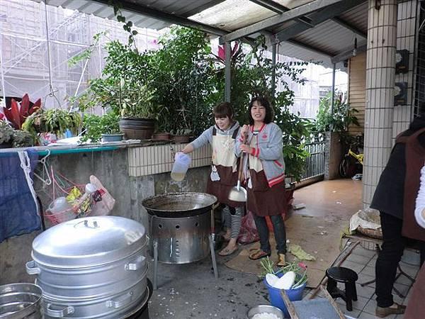 1.27菜頭粿的製作雖然繁雜~但是是個很棒的體驗活動哦!-5.jpg