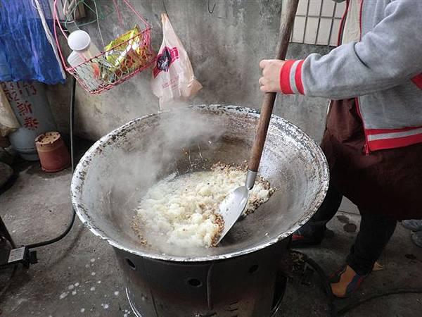 1.27菜頭粿的製作雖然繁雜~但是是個很棒的體驗活動哦!-6.jpg
