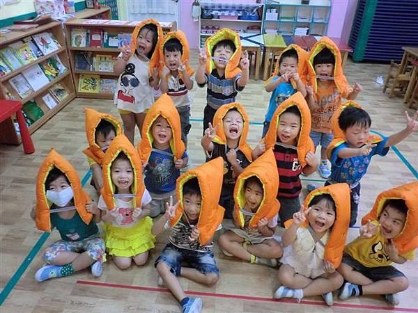 9.13教導孩子地震來時如何逃生,看著孩子這麼認真的模樣~真的大大按讚!很真的記錄哦!-4.jpg