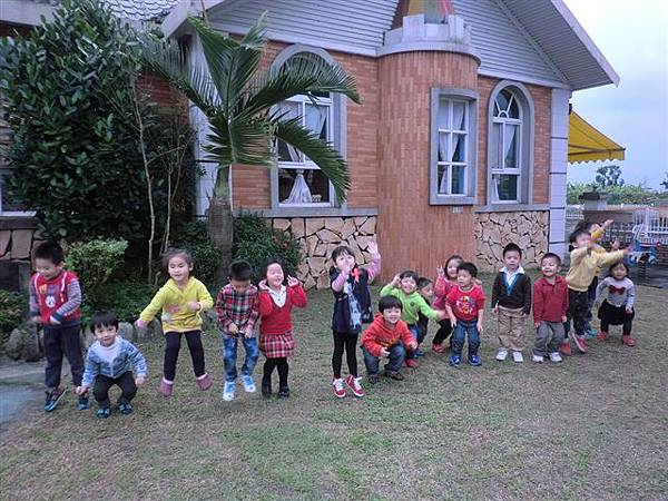 11.20涼意的午後~是孩子玩耍的最佳時刻-2.jpg