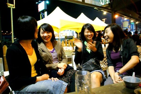 喜歡這樣姊妹們開心的笑著,以後也要一直這樣喔