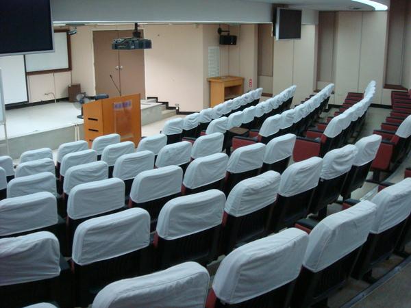 104會議廳,最喜歡在這裡上課了