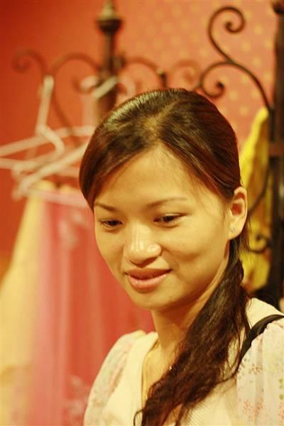 四姐妹的首位人妻劉小婷