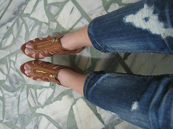 新鞋出來亮相了~